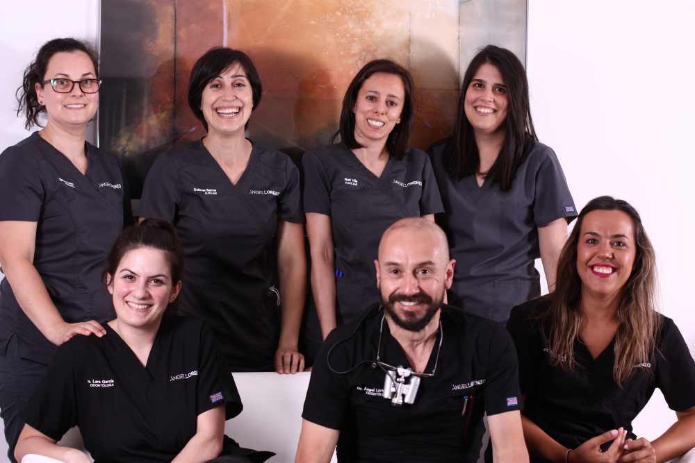 higienista en practicas Clinica Dental